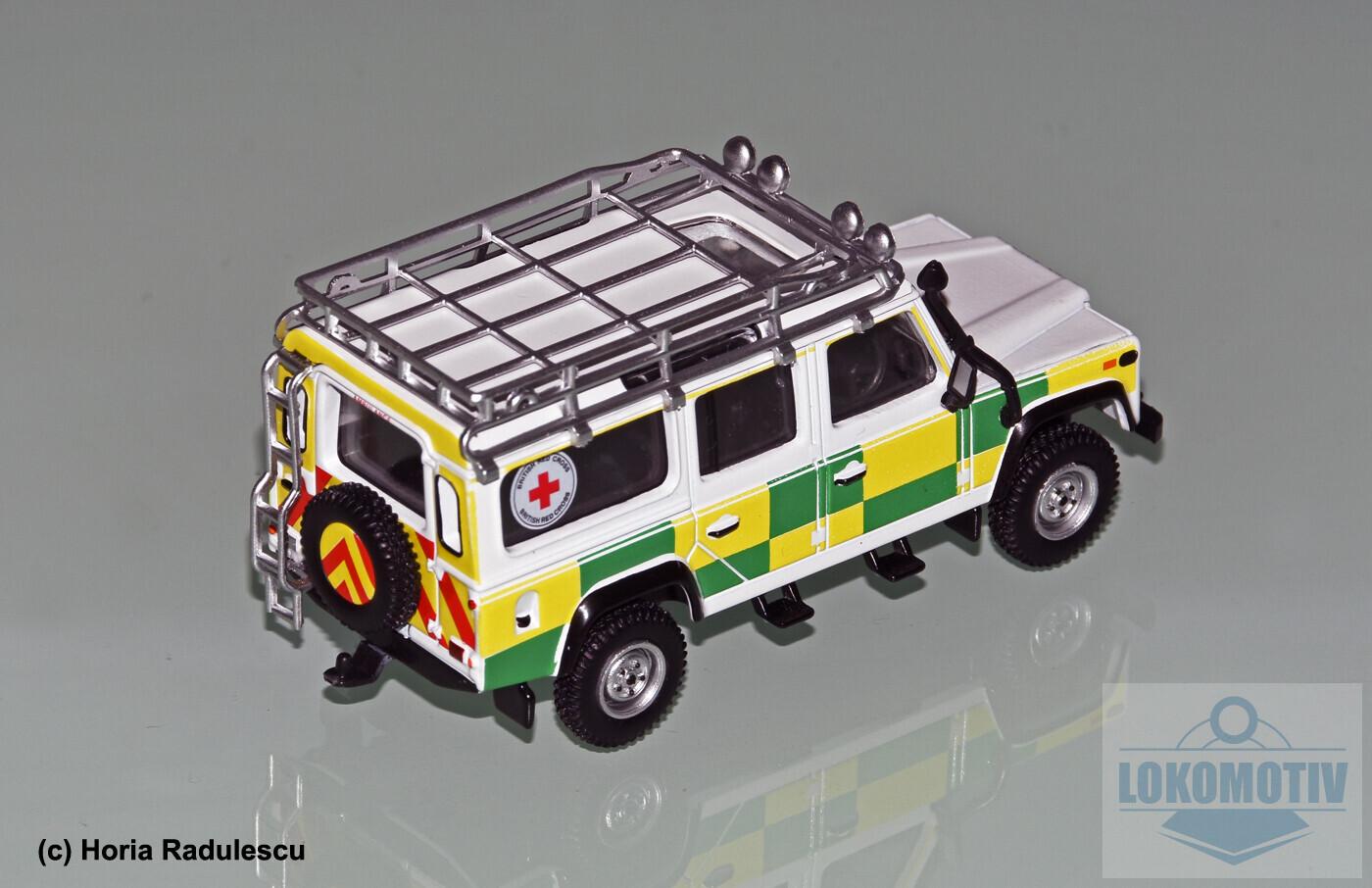 64-GB-Battenberg-Search-Rescue-Land-Rover-110-MiniGT-232c392ea934e3d53.jpg