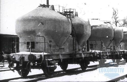 Vagon-cu-descarcare-pneumatica---gaura-patrata55c451932bac91cb.jpg