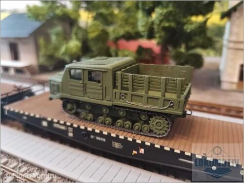 Tractoare-de-artilerie-AT-S-712-5042009918218fdfd.jpg