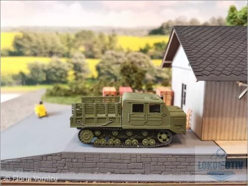 Tractoare-de-artilerie-AT-S-712-830e8c69efbe52689.jpg