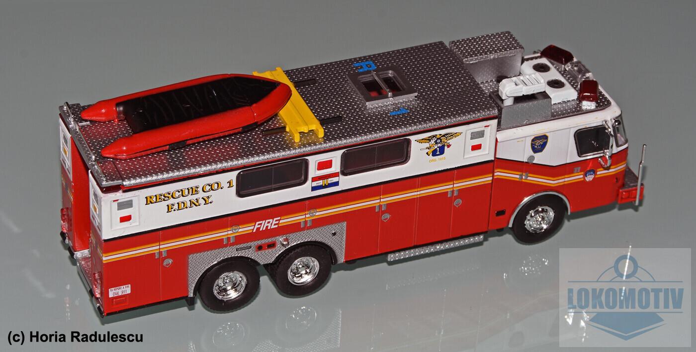 64-FDNY-E-One-Heavy-Rescue-1999-2.jpg