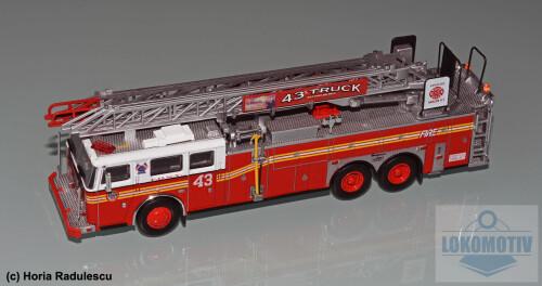 64-FDNY-Seagrave-Rear-Mount-Ladder-1999-1.jpg
